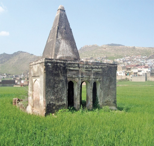 An abandoned Hindu temple in Vahali village which served as a capital of the Vahali state ruled by Sardar Hari Singh and his siblings. Vahali was burnt to the ground during the partition riots. — Photos by the writer