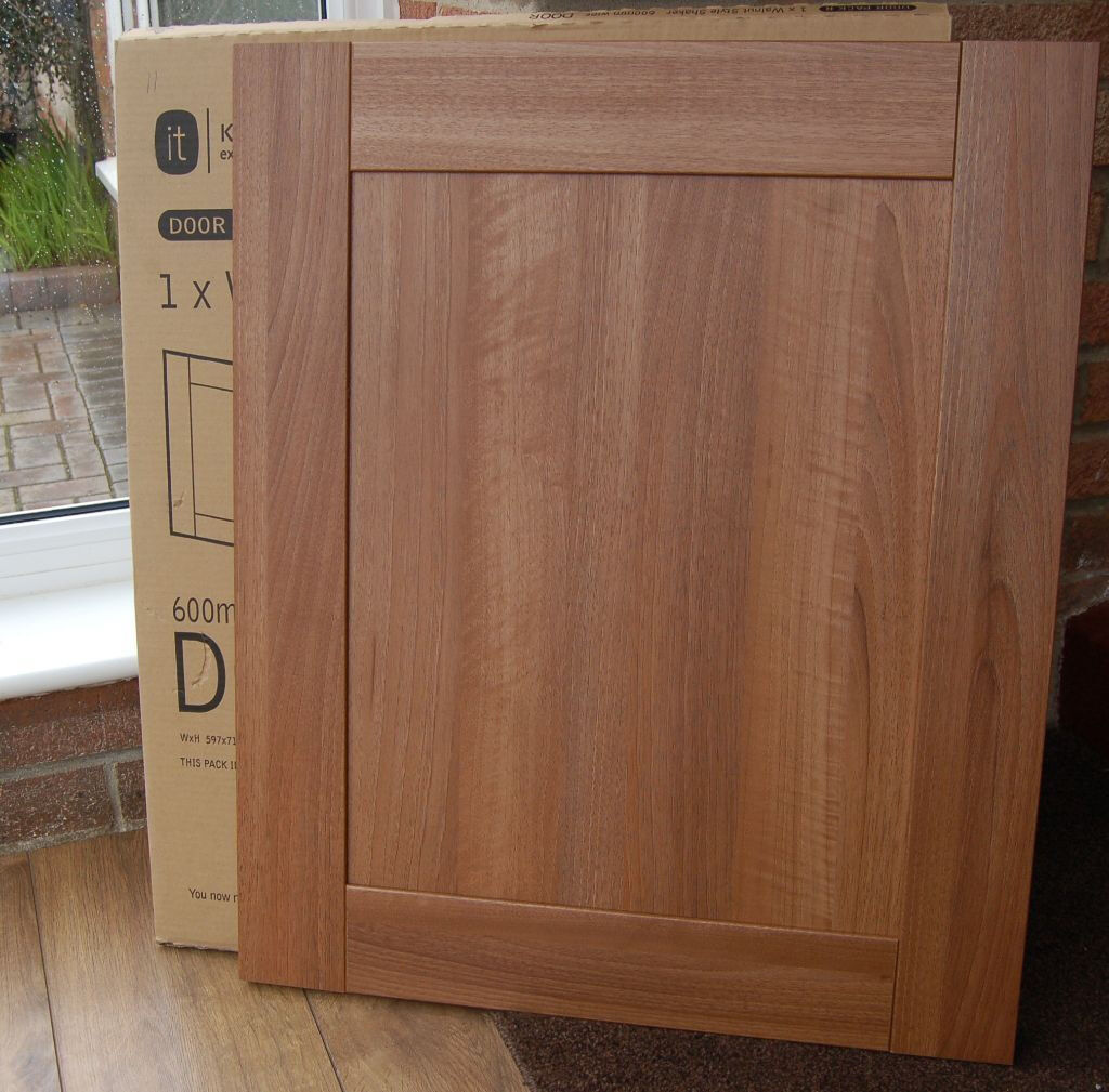 Cupboard Doors 10 B Andq Walnut Shaker Style Westleigh Kitchen Cupboard
