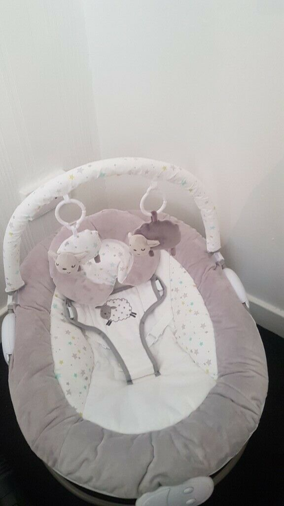 Chicco Baby Toys Uk White And Grey Unisex Baby Bouncer In Thornliebank
