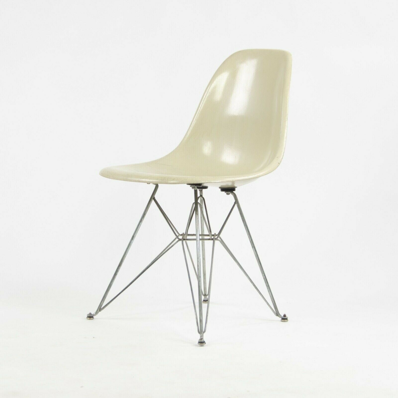 Eames Chair Herman Miller Ebay Details About 1951 Herman Miller Eames Fiberglass Side Shell Chair Ivory Eiffel Tower Base Dkr
