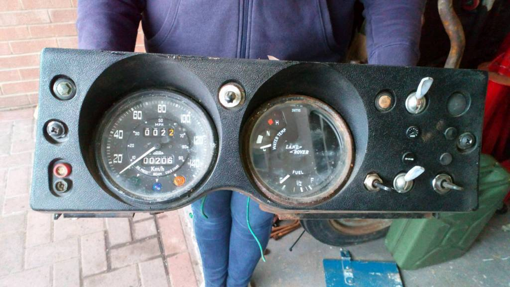 Landrover series 3 clocks cluster and wiring harness in Cramlington