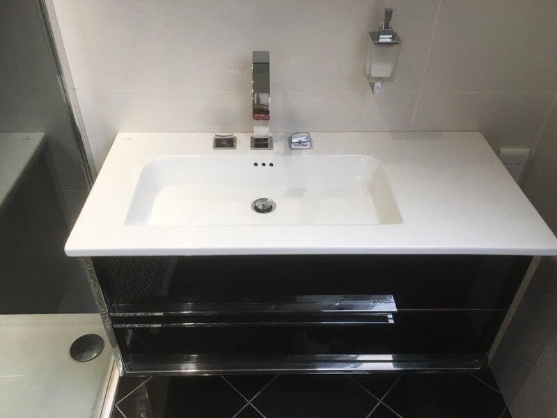 Genuine Porcelanosa Vanity Unit China Sink And Taps In