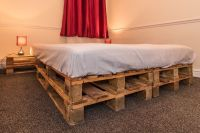 AMAZING KING SIZE PALLET BED FRAME XXX PRICE REDUCE FOR ...