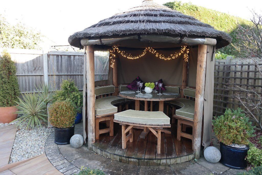 Thatched Wooden Gazebo Outdoor Dining Hut Seating Bbq