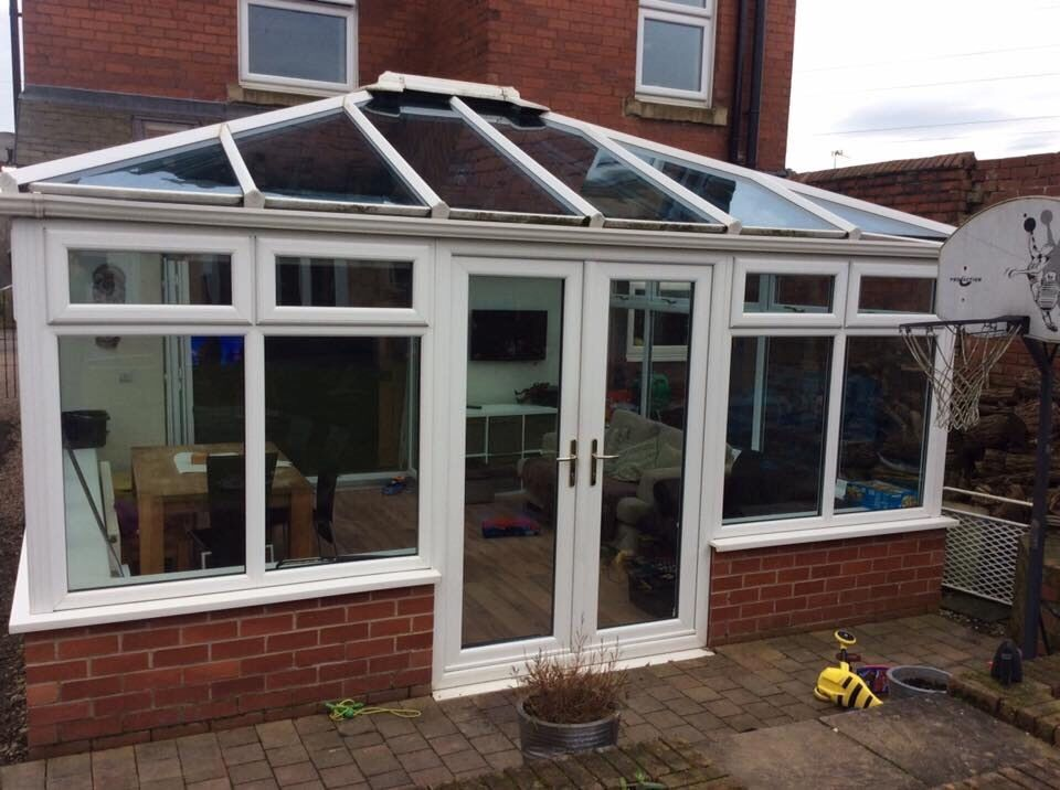 Large Conservatory 15ft X 13ft 7 With Glass Roof In