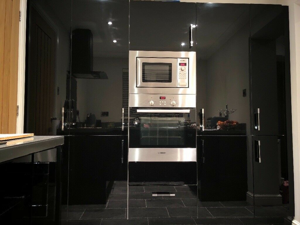 High Gloss Black Kitchen Units Induction Hob Fan Oven