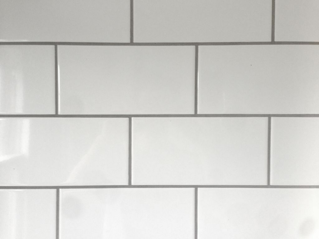 White Brick Look Tile White Ceramic Brick Shaped Metro Tiles With Grey Grout