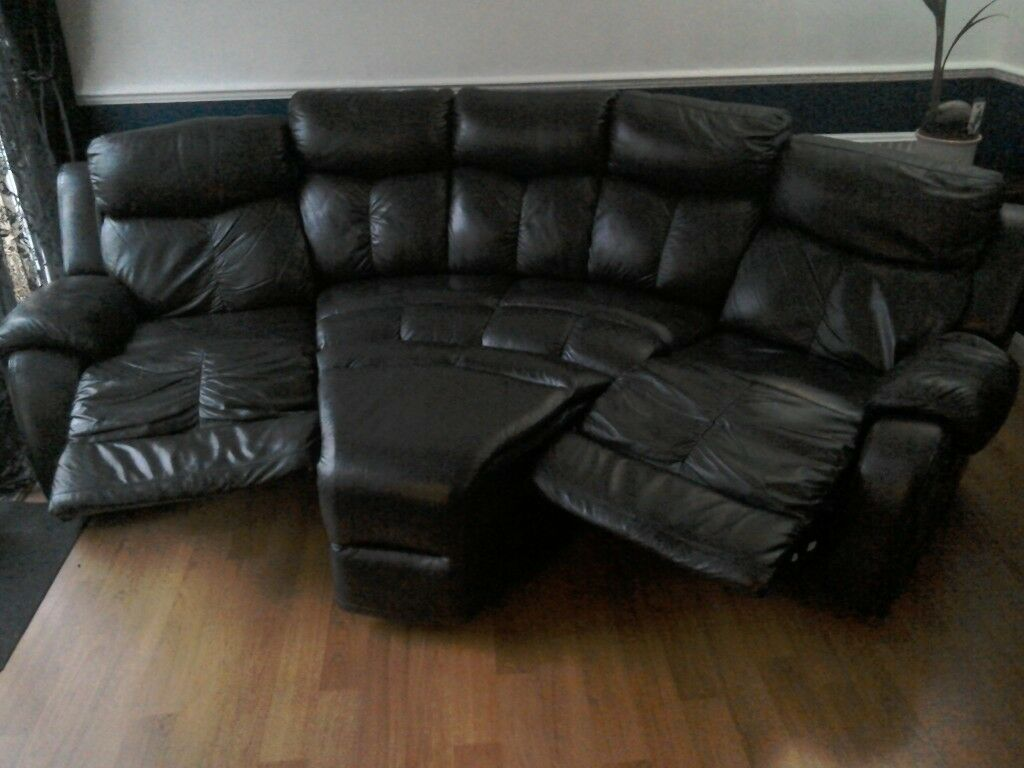 Leather Recliner Gumtree Glasgow Leather 4 Seater Recliner Sofa In Chatham Kent Gumtree
