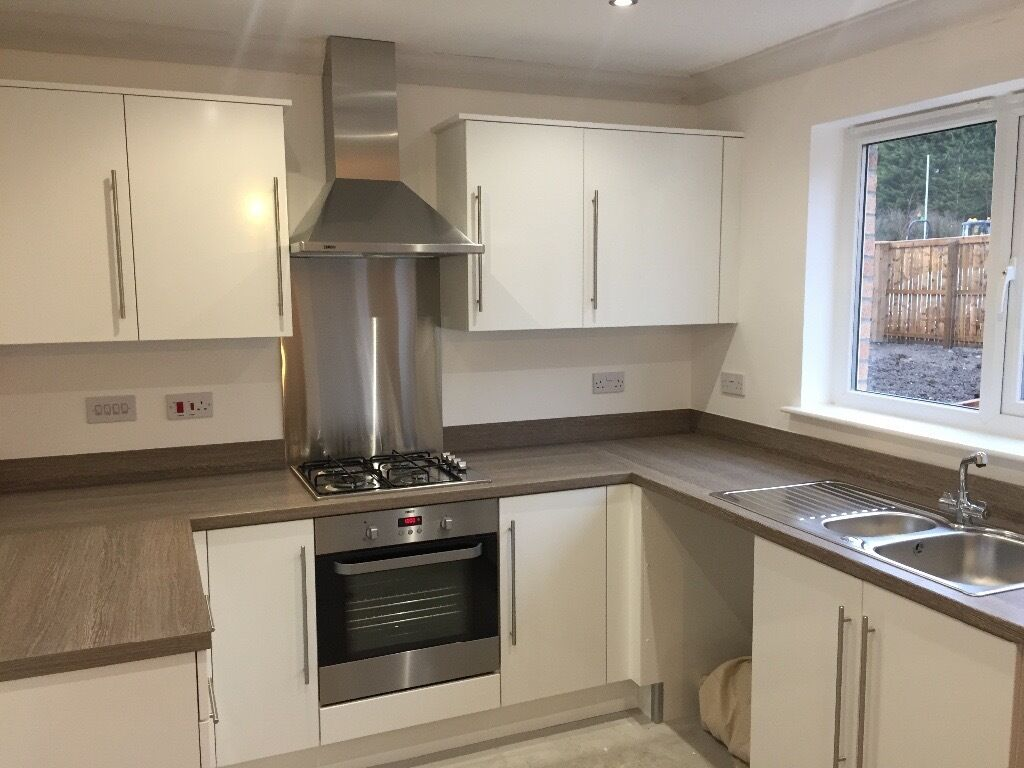Unit Kitchens White Gloss Kitchen Doors And Complete Drawer Unit In