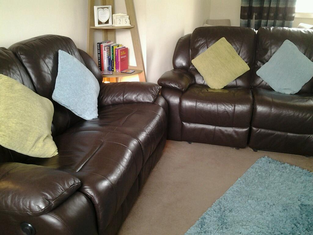 Leather Recliner Gumtree Glasgow Brown Leather Electric Recliner Sofa In Auchinleck East
