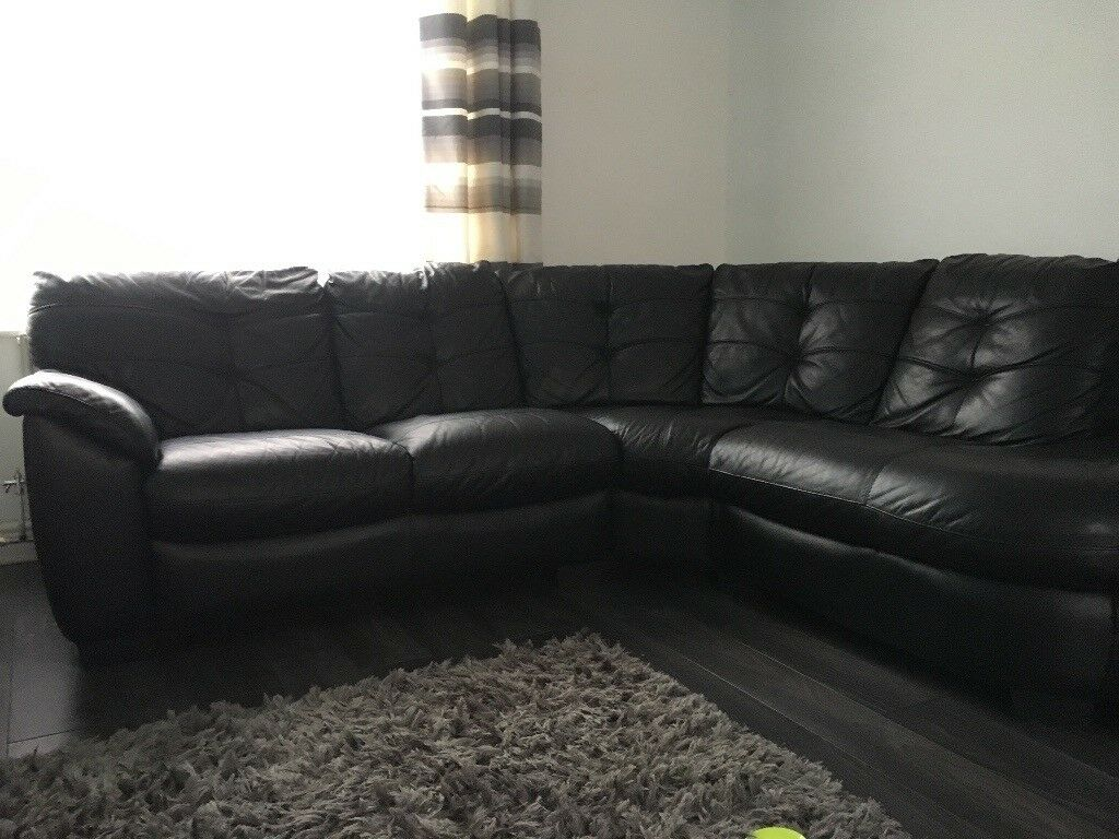 Leather Recliner Gumtree Glasgow Leather Corner Sofa And Recliner Chair In Westbury On
