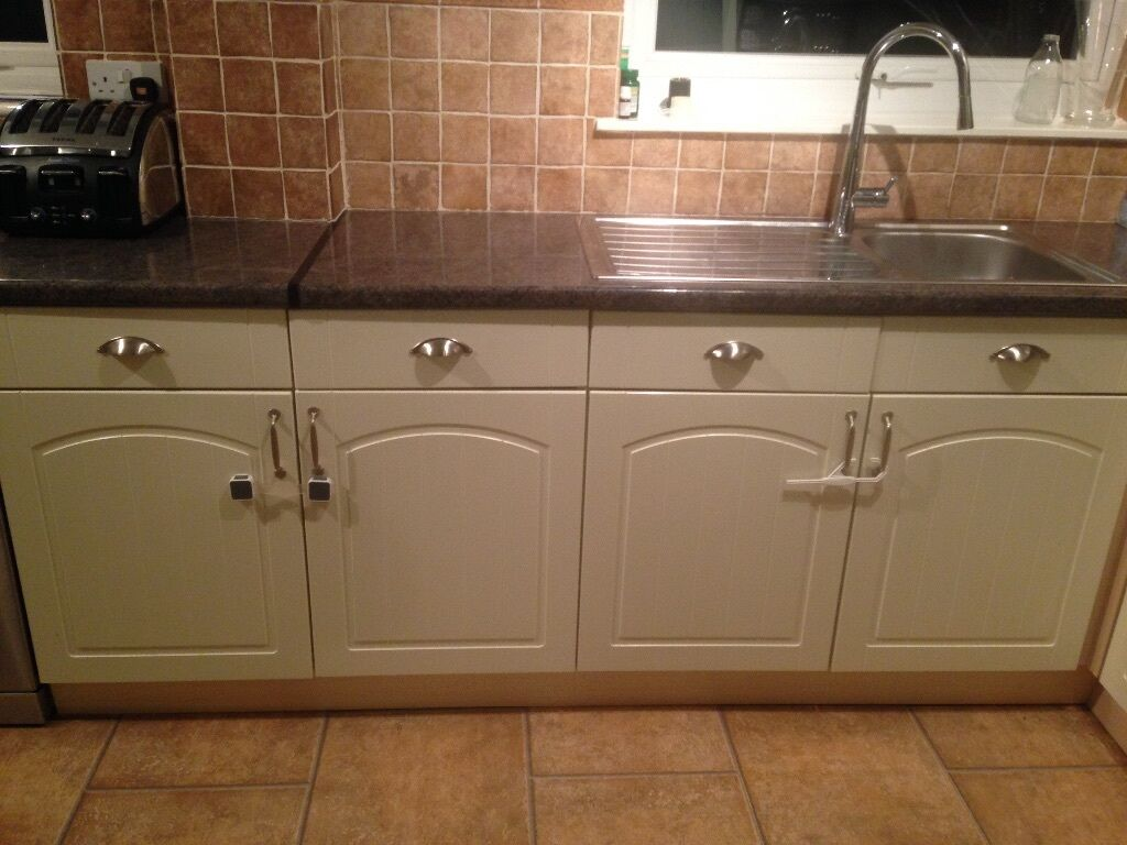 Wickes Oban Cream Kitchen 18 Cabinets And Doors In Total