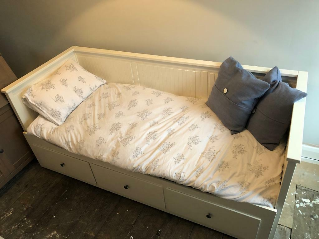 Hemnes Bed Instructions Ikea Hemnes Day Bed With Mattress In Pudsey West