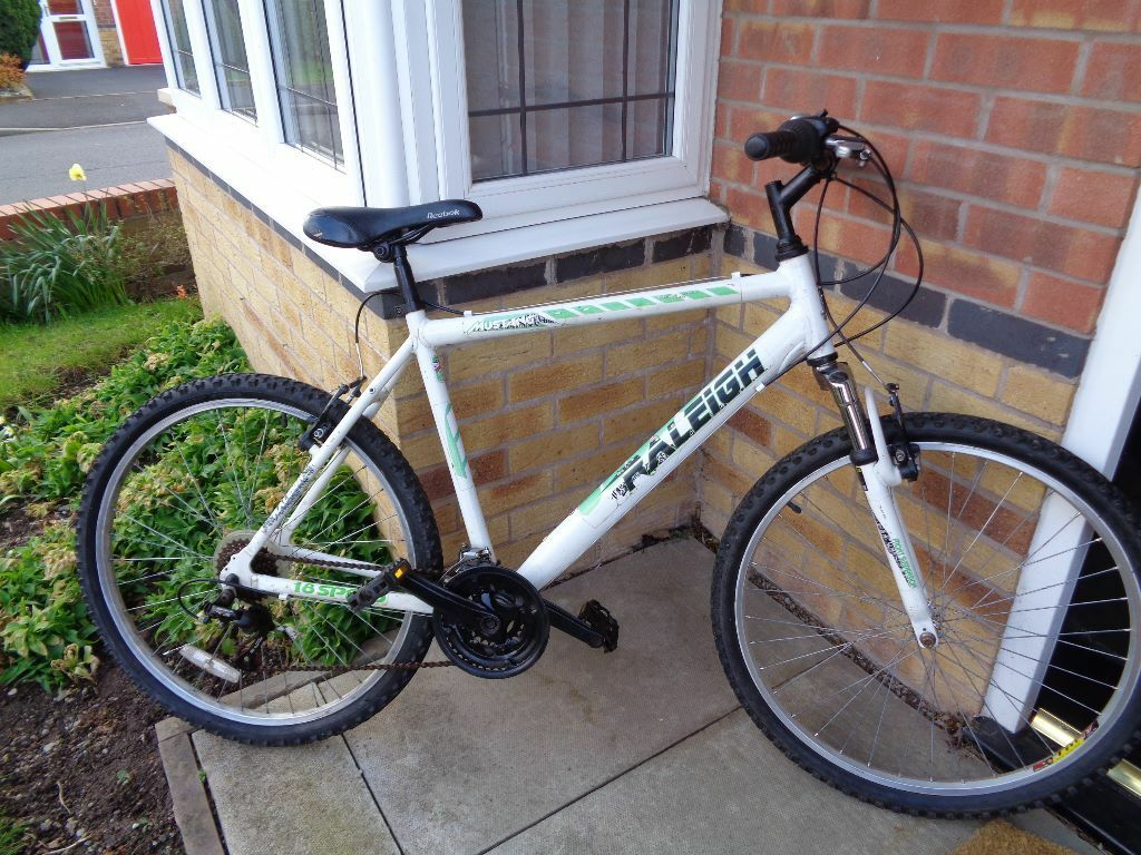Grey Sofa Gumtree Belfast Raleigh Mustang Mountain Bike | In Tyldesley, Manchester