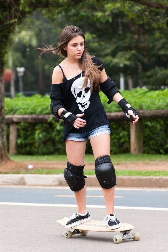 Penny Skateboards Girl Wallpaper Top 10 Skateboarding Accessories Ebay