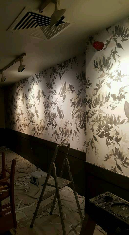 Painter and decorator / wallpaper hanger in East End, Glasgow