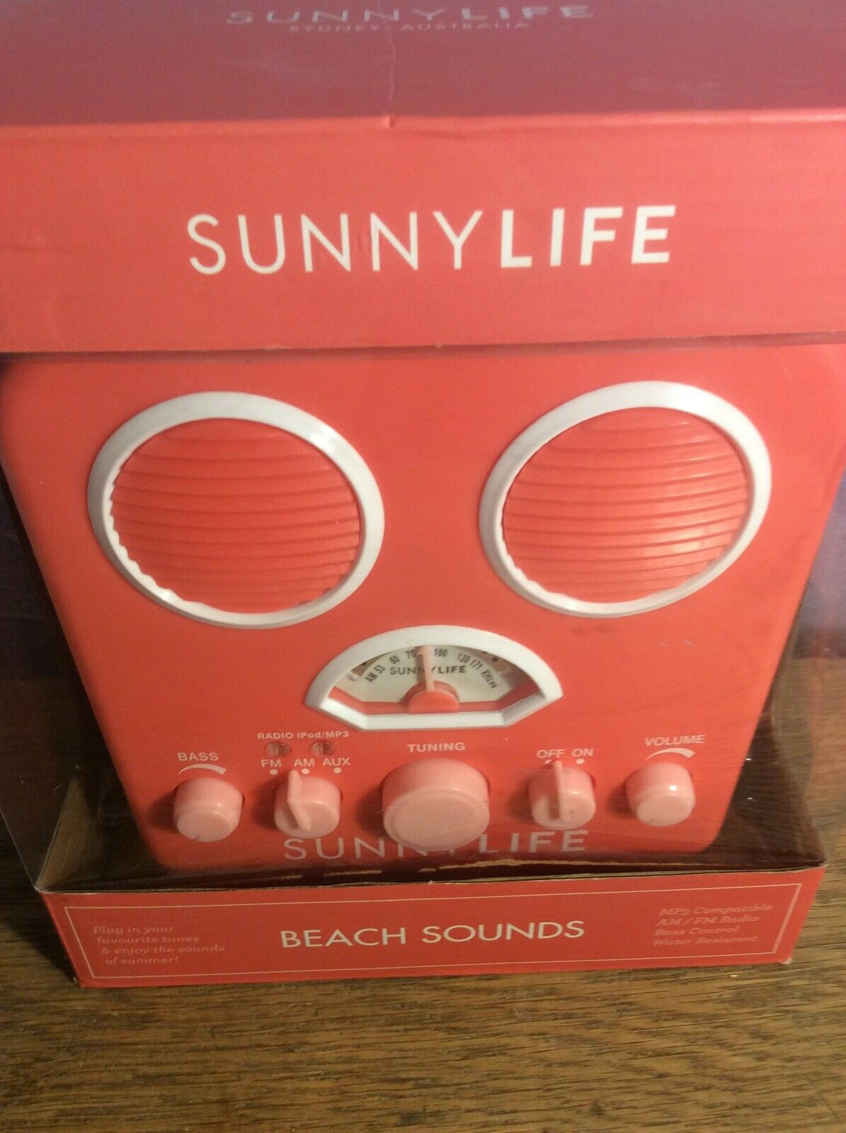 Sunnylife Retro Portable Beach Mp3 Smartphone Speaker With Am Fm Radio Pink For Sale Online Ebay