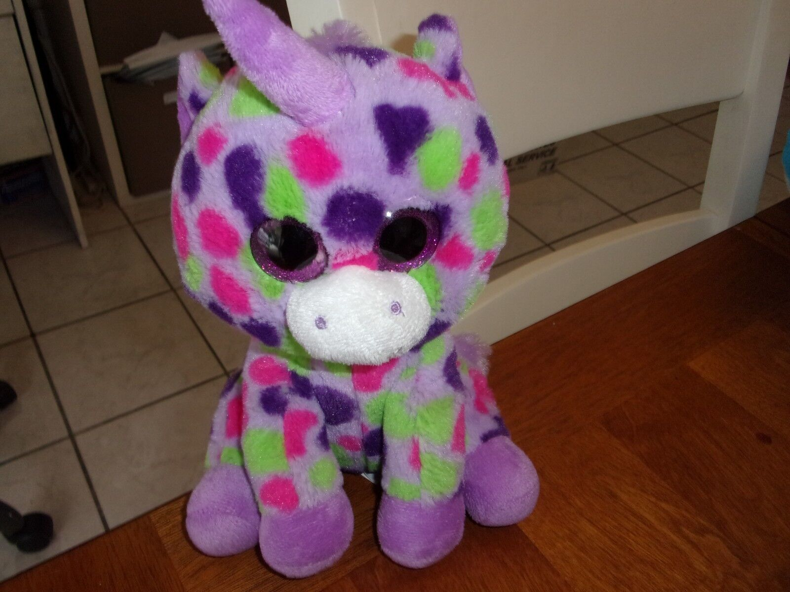 Tabourets Walmart Wal Mart Plush Purple Pink Unicorn Big Eyes Spot 8 Walmart Green