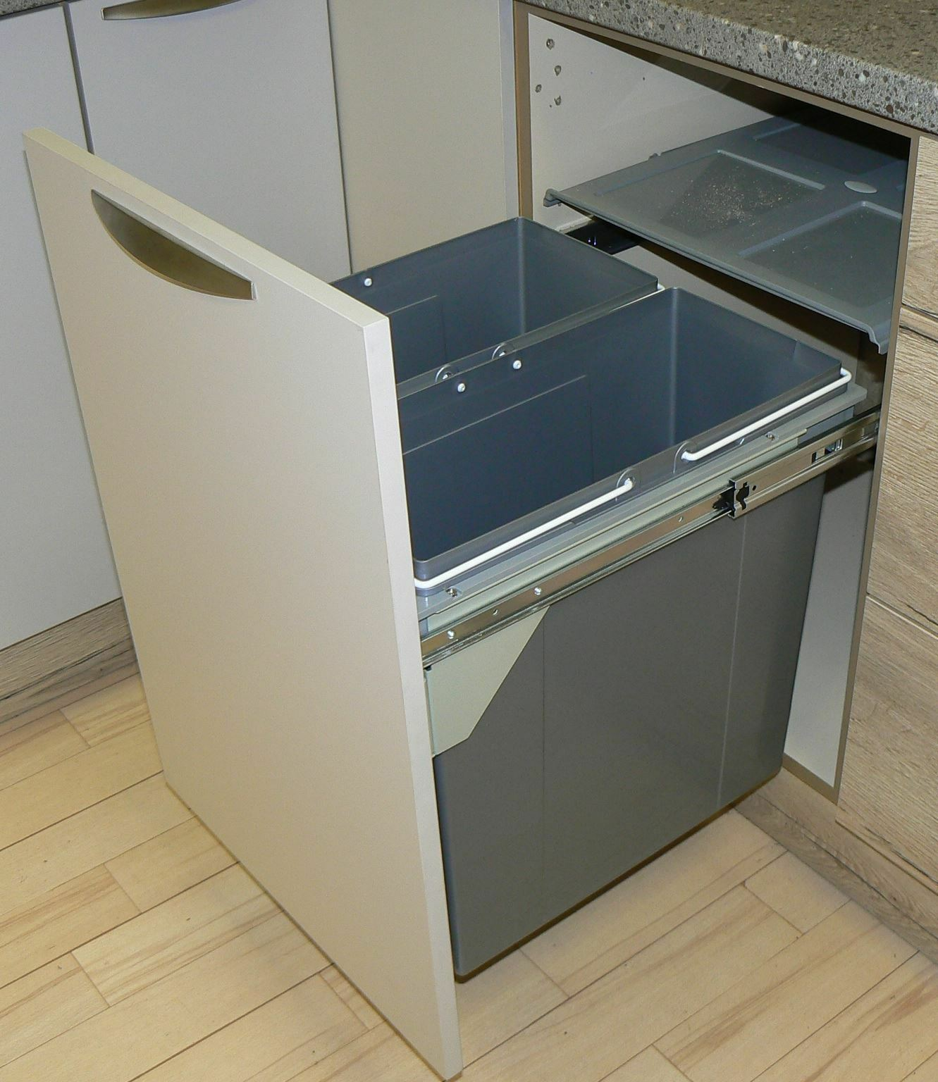 Kitchen Cabinet Trash Bin Pull Out Kitchen Cabinet Integrated Recycle Waste Bin