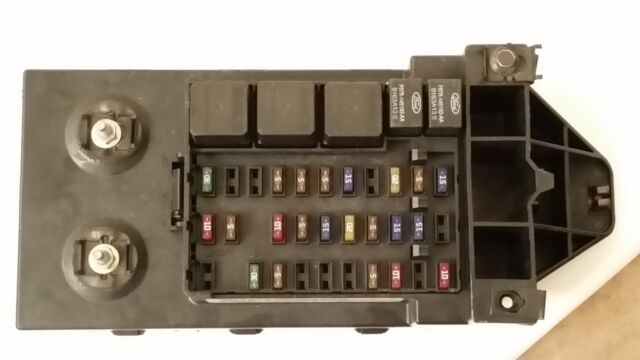 Ford Super Duty F250 F350 F450 Cabin Fuse Block F81b-14a067-ae for