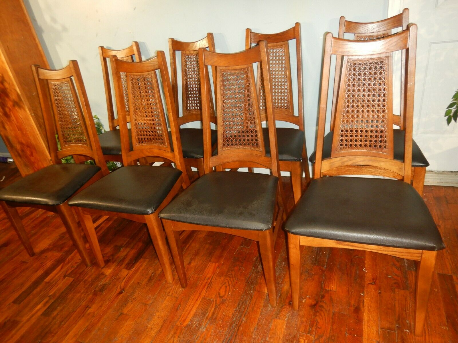 Set Of 6 Mid Century Danish Modern Walnut Spindle Back Dining Chairs For Sale Online Ebay