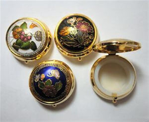 Vintage 198039s Cloisonne Enamel Round Hinged Pill Box 1 1