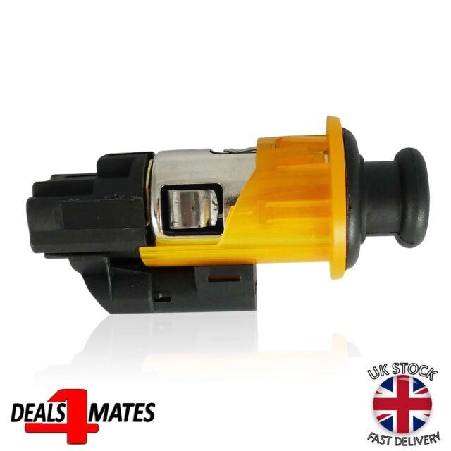 OEM 8200046338 Plug  Socket Cigarette Lighter Assembly for RENAULT