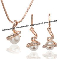 Pearl Crystal Gold Pendant Necklace & Earrings Love Xmas ...