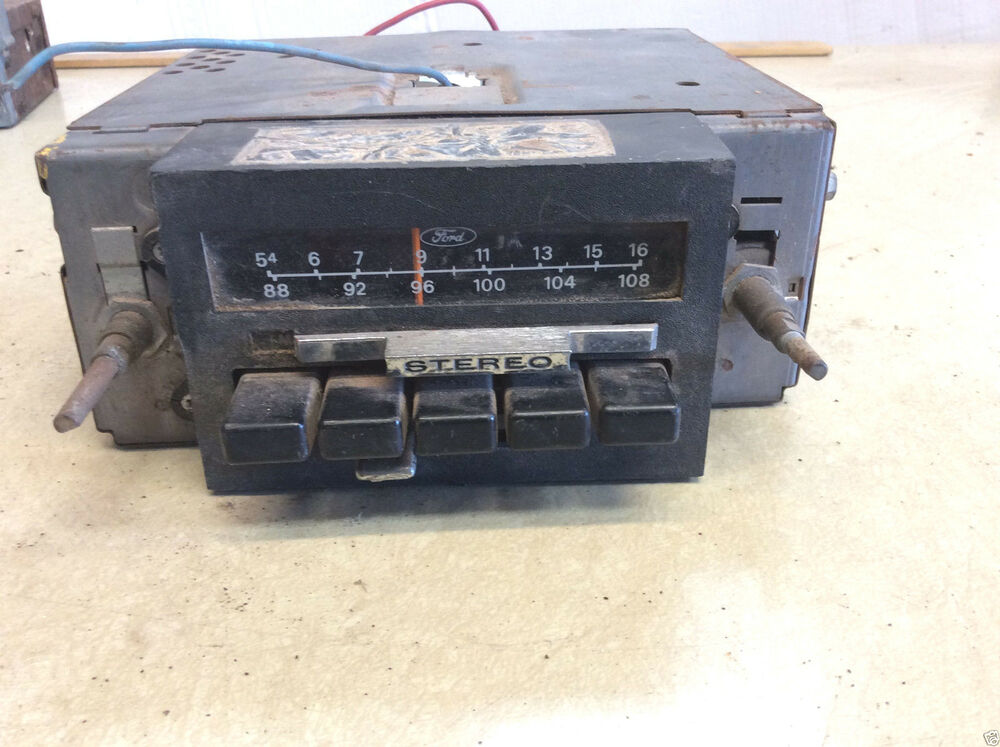 1978 Ford, Possibly Mustang Factory A/M / FM Radio D8AF Non-Working