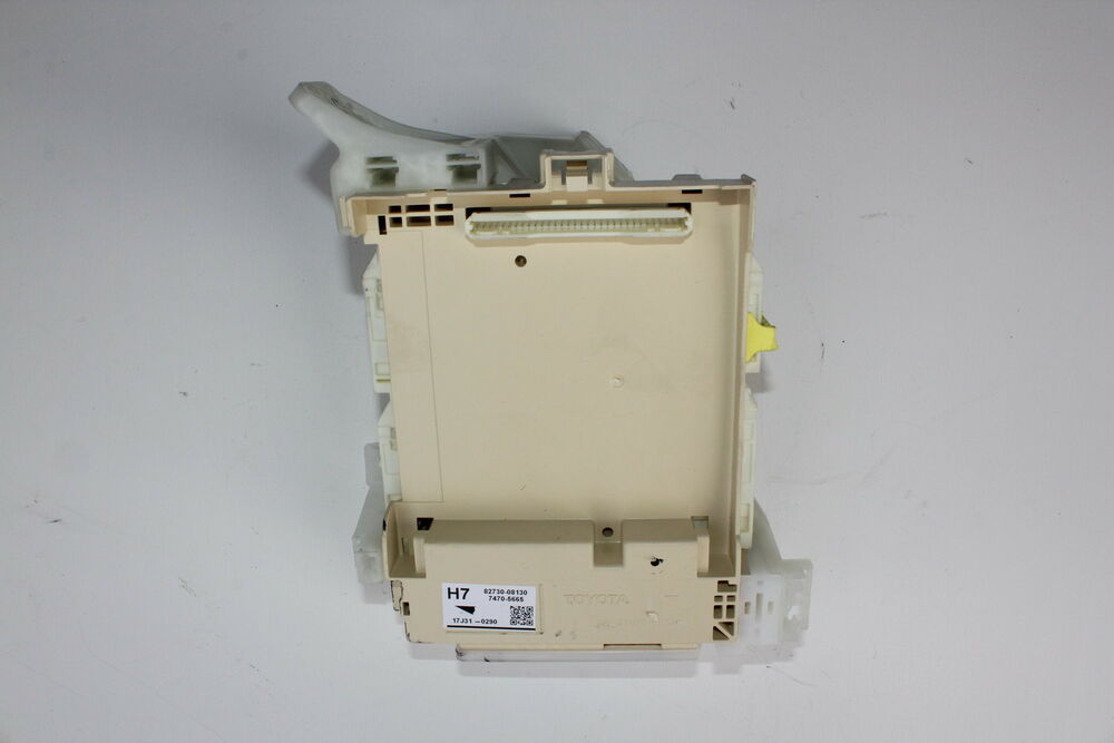 11-16 TOYOTA SIENNA CABIN DRIVER RELAY FUSE JUNCTION BOX (0T1) eBay