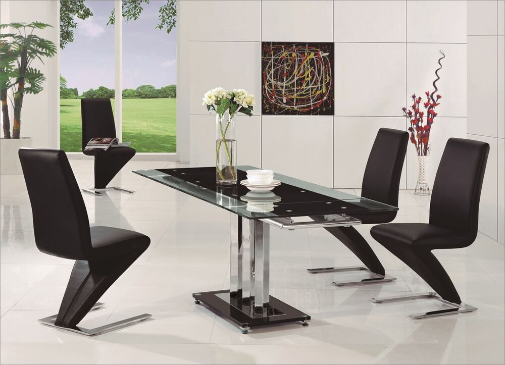 Pavia Extending Glass Chrome Dining Room Table 6 Z Chairs