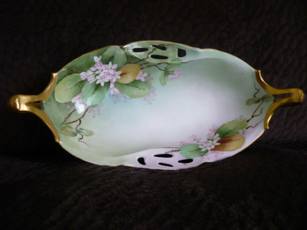 FINE GREEN FLORAL HAND PAINTED SMALL SERVING DISH/HUTSCHENREUTHER