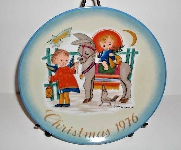 Hummel Plates 37 Years Old Schmid Collector Plate Christmas Sister Berta