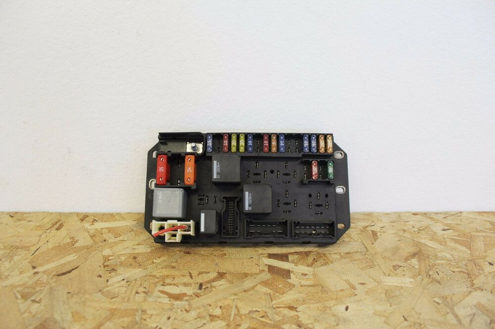 L07310 2006-2009 Land Rover Range Rover Engine Bay Fuse Box OEM eBay