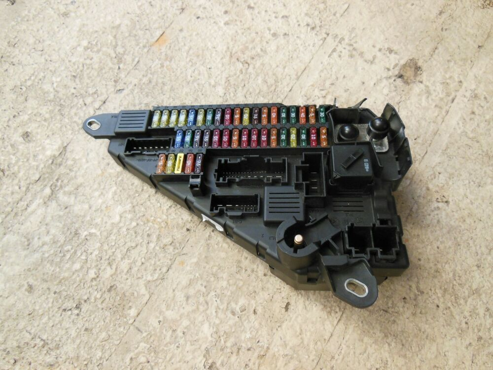 BMW E60 M5 550I 650I 645CI M6 FUSE BOX RELAY MODULE ASSEMBLY OEM 690