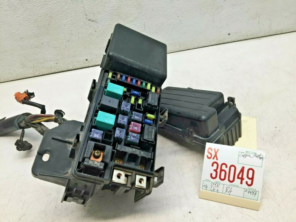 Acura TSX 24L Engine Bay Relay Compartment Fuse Box Junction OEM