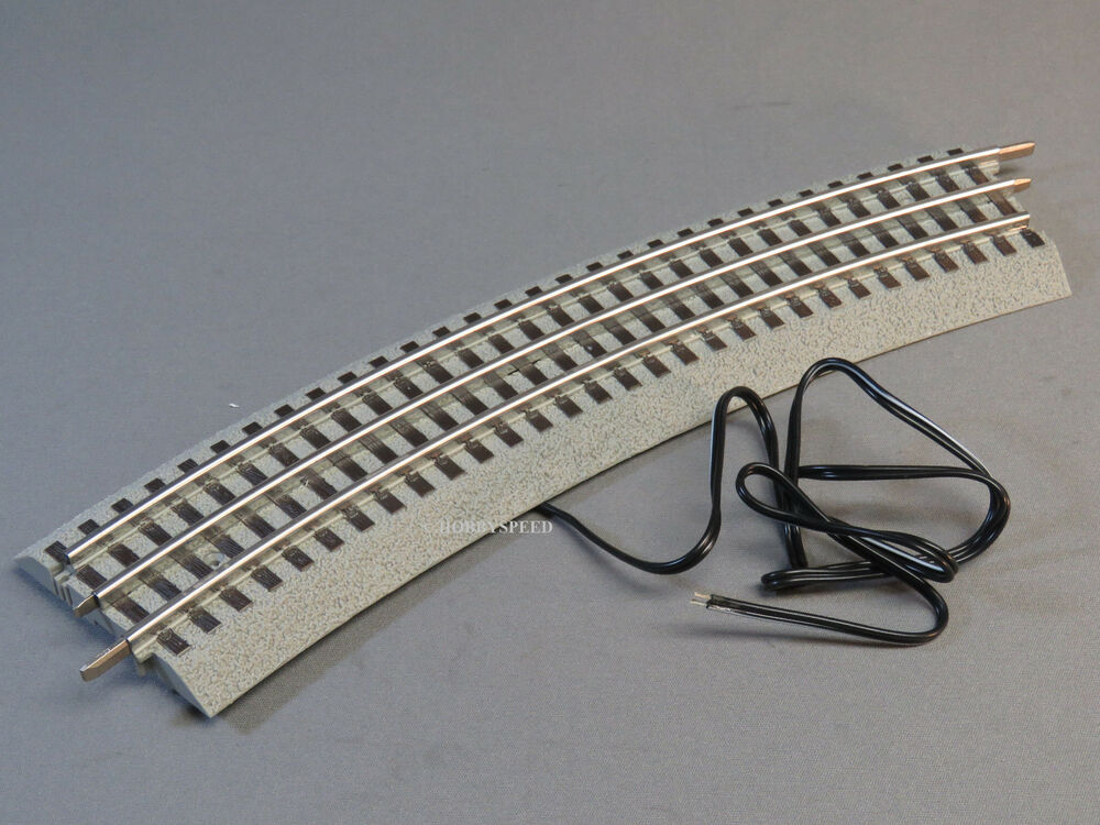 LIONEL FASTRACK 048 CURVE SECTION W TERMINAL WIRE train fast track 6
