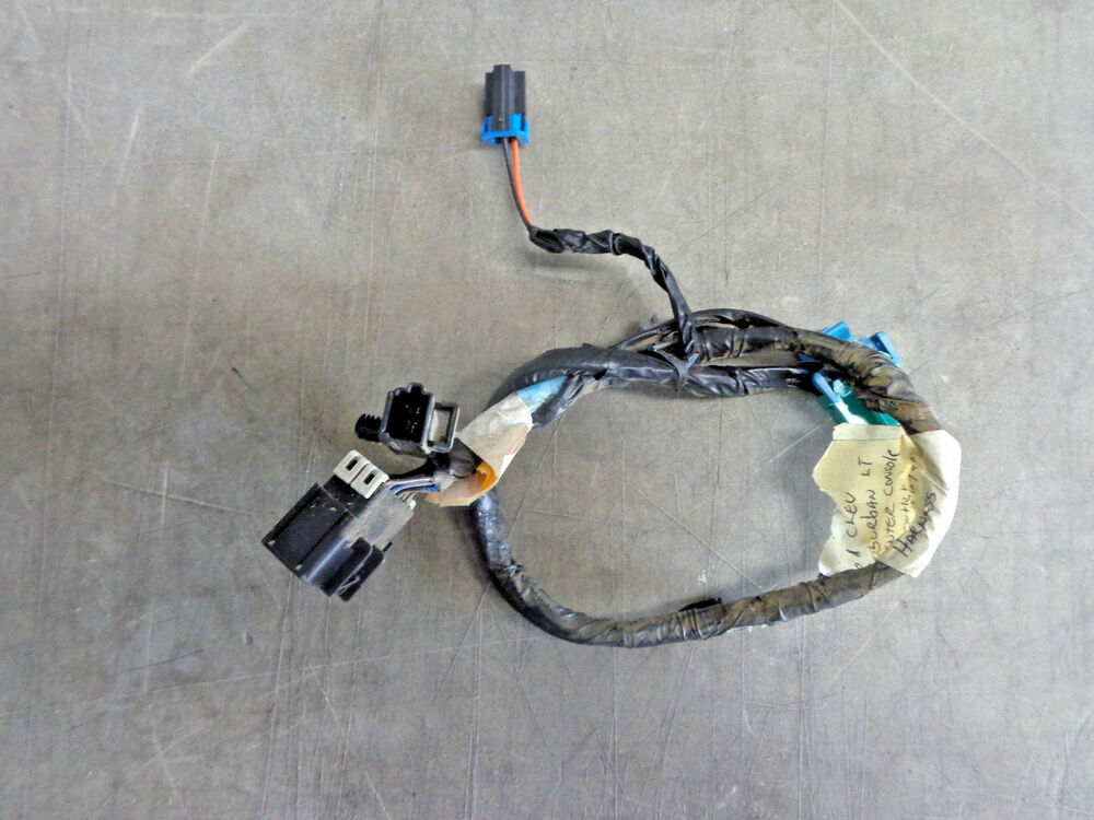 Center Console Media Player Wire Harness 01 Chevy Suburban LT 4x4 00