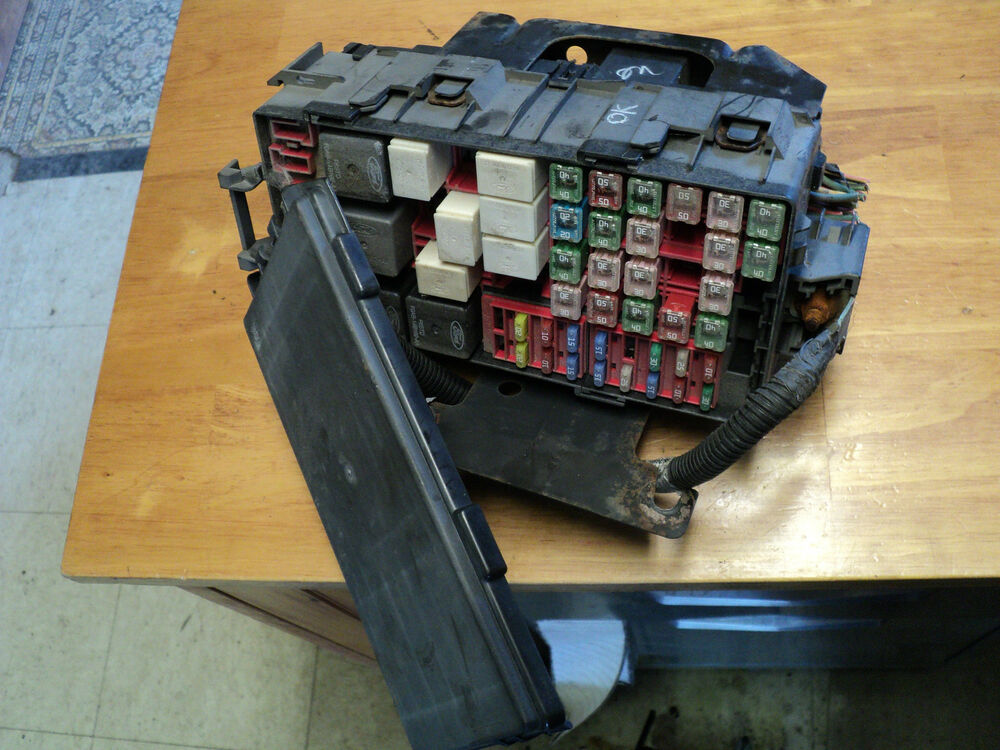 03 FORD WINDSTAR FRONT FUSE BOX PANEL RELAY eBay