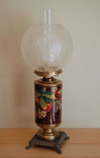 Antique etched glass shade oil lamp, cast metal base ...
