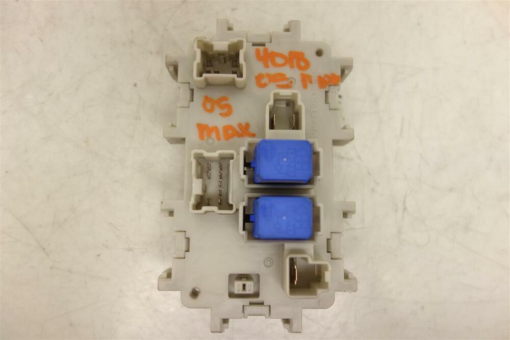 2004 2005 2006 2007 Nissan Maxima Under DASH Cabin Fuse Box 24350