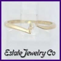 14k Yellow Gold Round Diamond Solitaire Right Hand/Promise ...