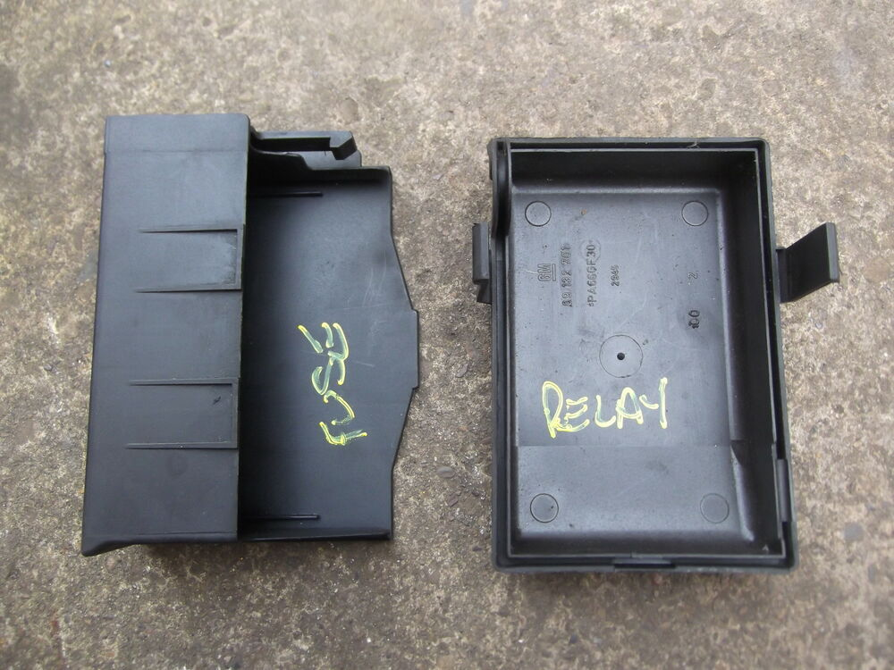 VAUXHALL ASTRA G MK4 ENGINE BAY FUSE BOX / RELAY COVERS / TOPS