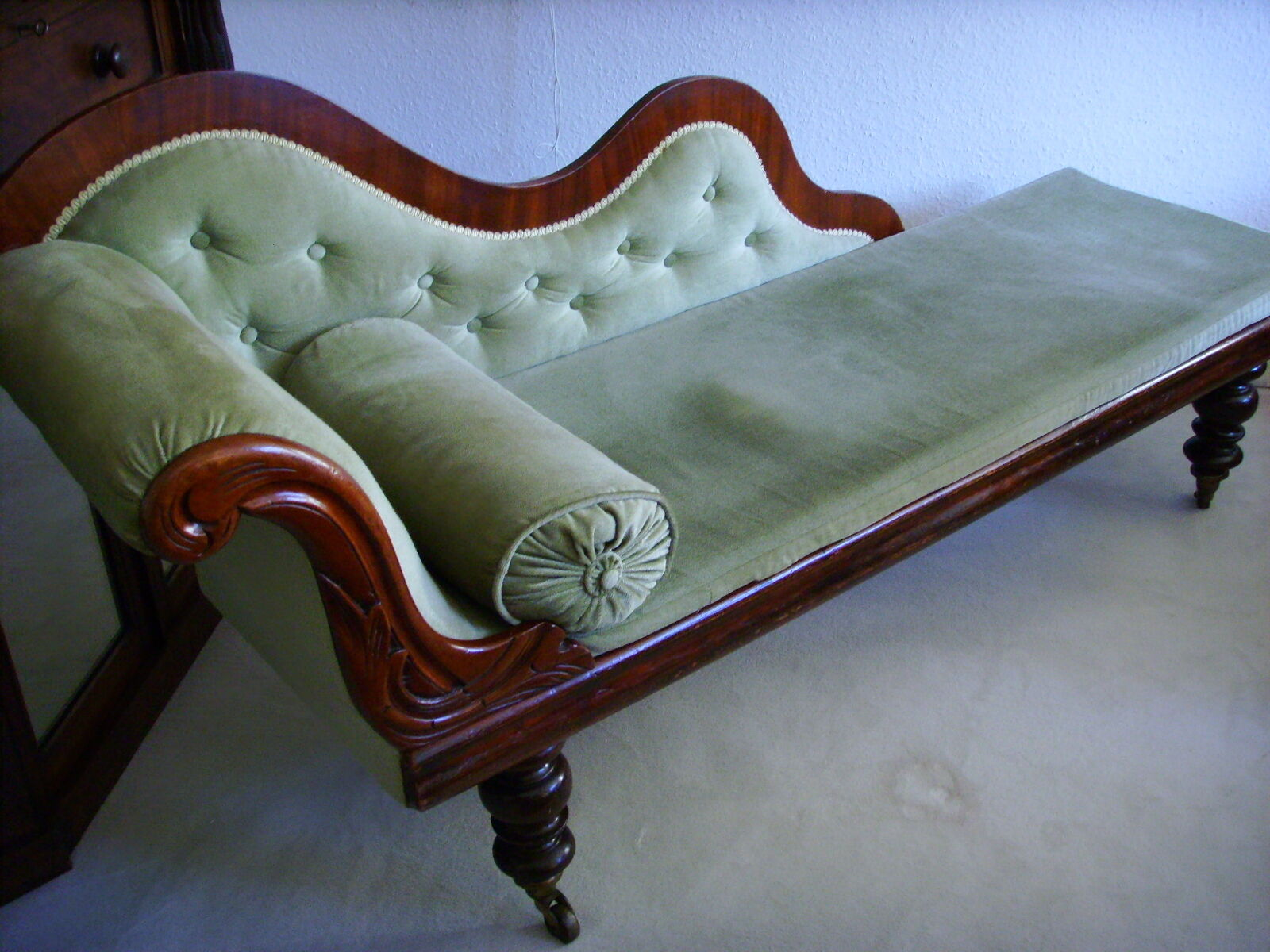 Jugendstil Sofa Kaufen Schlafsofas Schweiz Pflanzen Furs Schlafzimmer