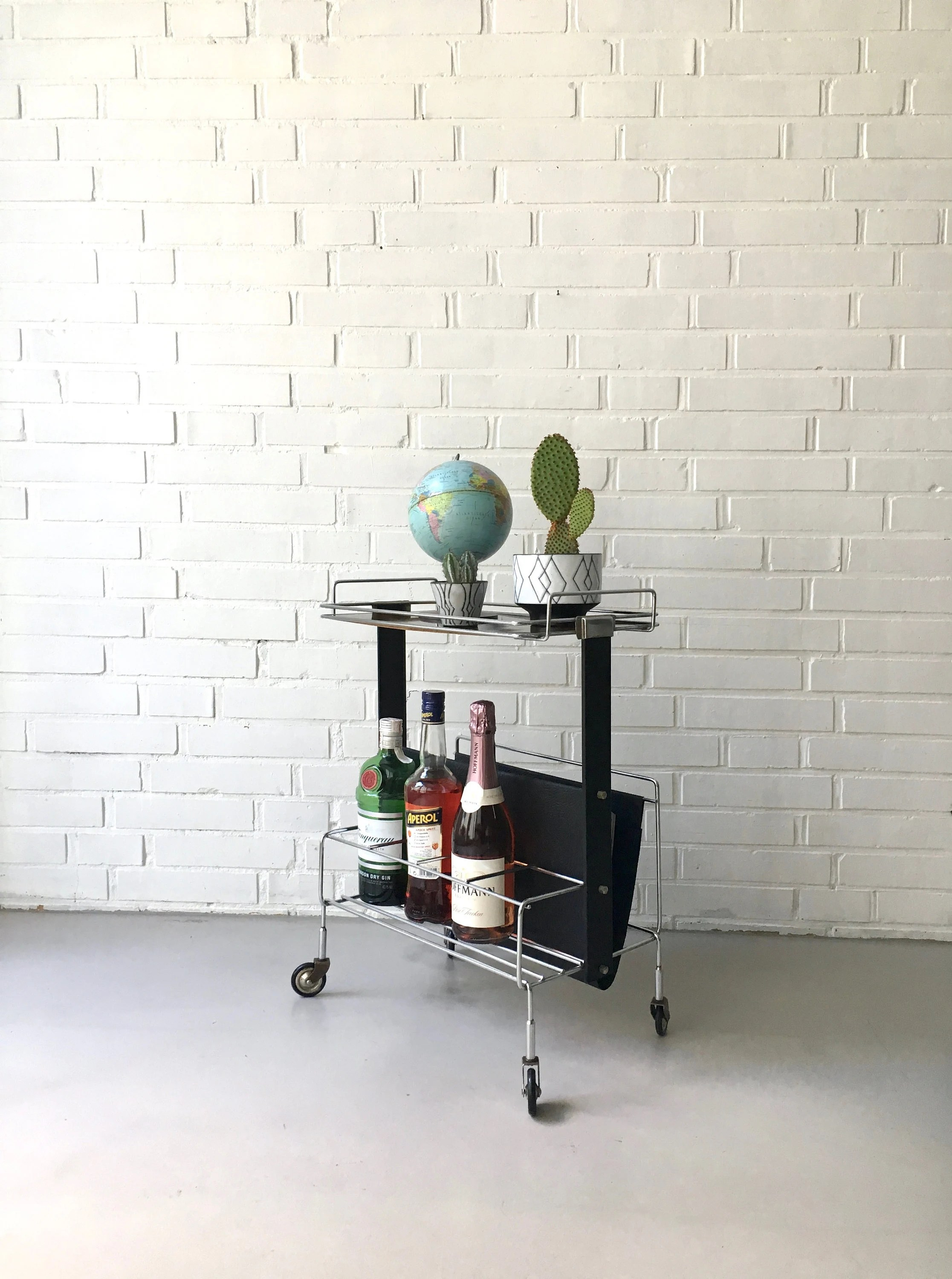 String Regal Pinterest Magazine Stand Trolley Vintage Trolley Mid Century Newspaper Trolley Occasional Table Vintage String Regal Mid Century Furniture