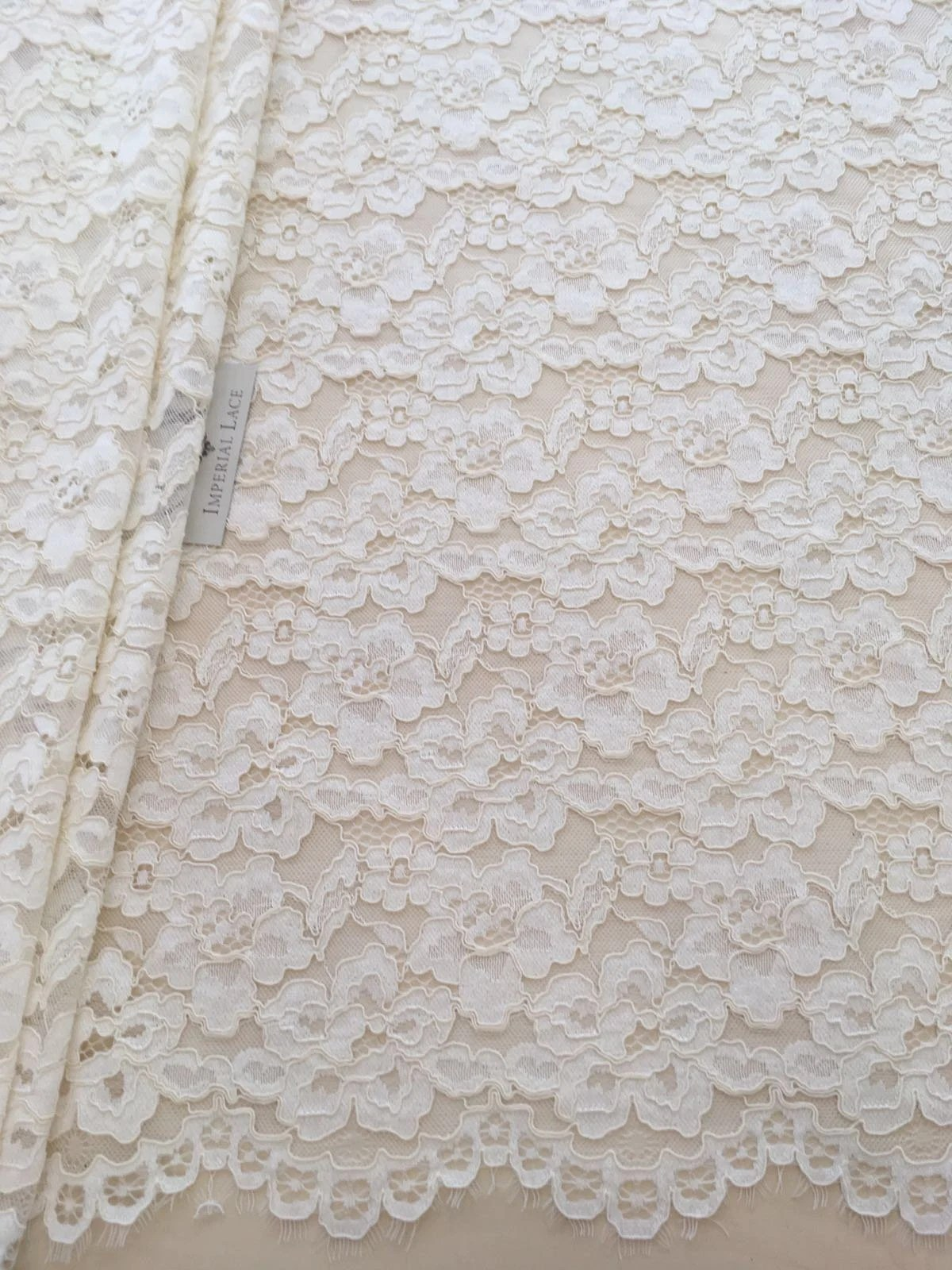 Stoff Spitze Ecru Lace Fabric French Lace Chantilly Lace Spitze Stoff Ivory White Wedding Lace White Lace Soft Chantilly Lace B00211