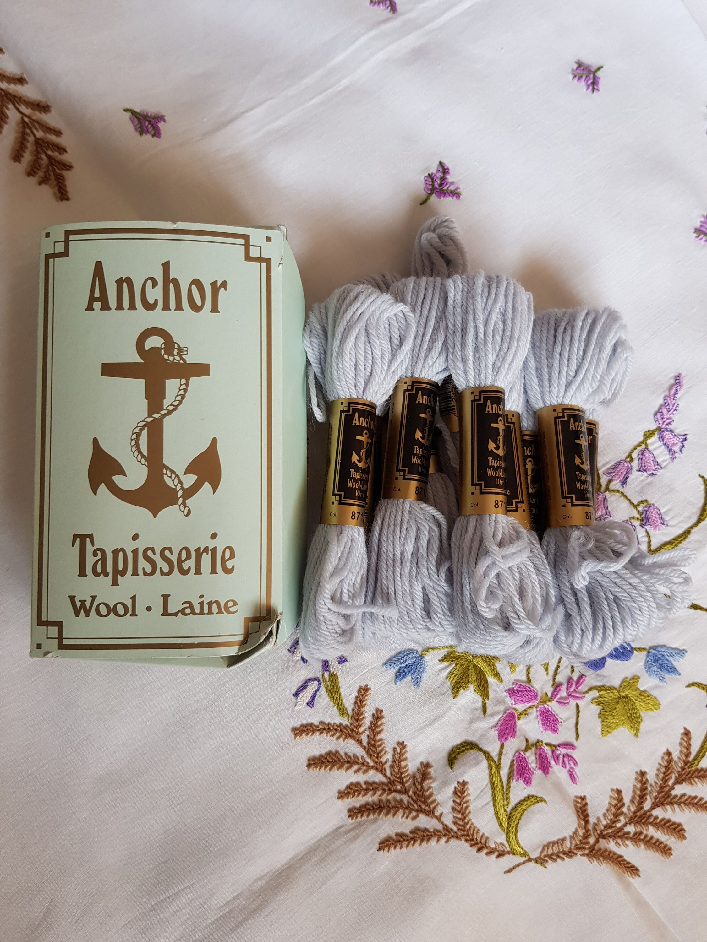 Tapisserie Om Anchor Tapestry Wool 10 Skeins Pale Grey Vintage Thread Sewing Supplies Crafts Needlework Needle Craft Yarn Tapisserie Wool