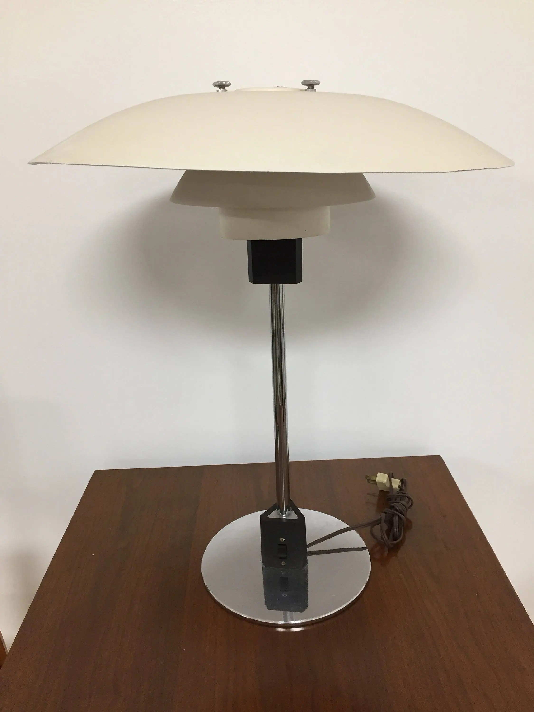 Louis Poulsen Ph 3 2 Ph 3 2 Table Lamp Designed By Poul Henningsen For Louis Poulsen