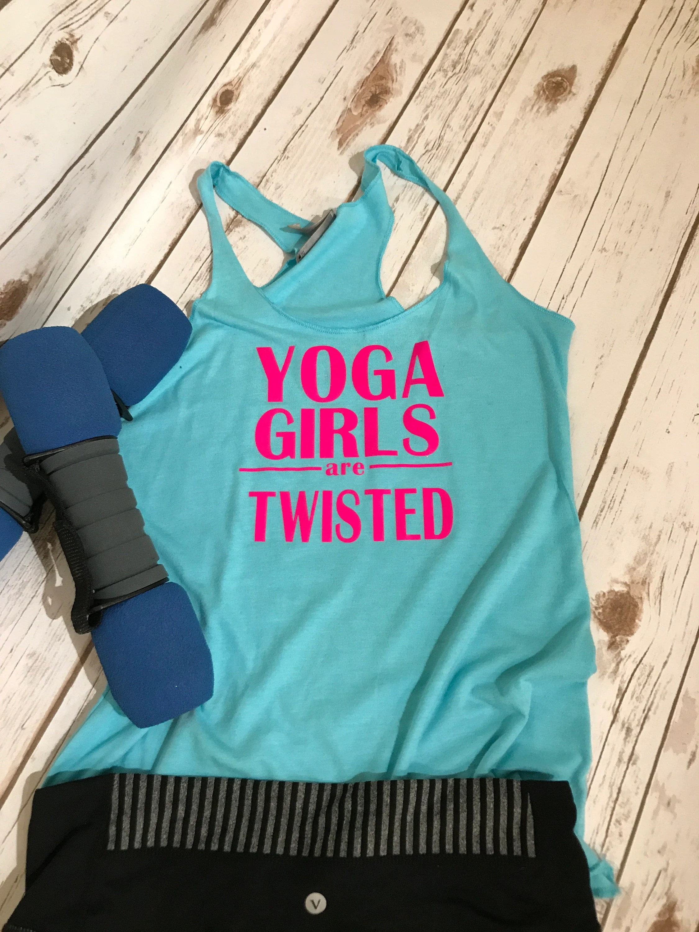 Beleuchtung Yoga Studio Yoga Girls Are Twisted Yoga Tank Gym Hot Yoga Studio Shirt Yoga Instructor Fitness Shirt Yoga