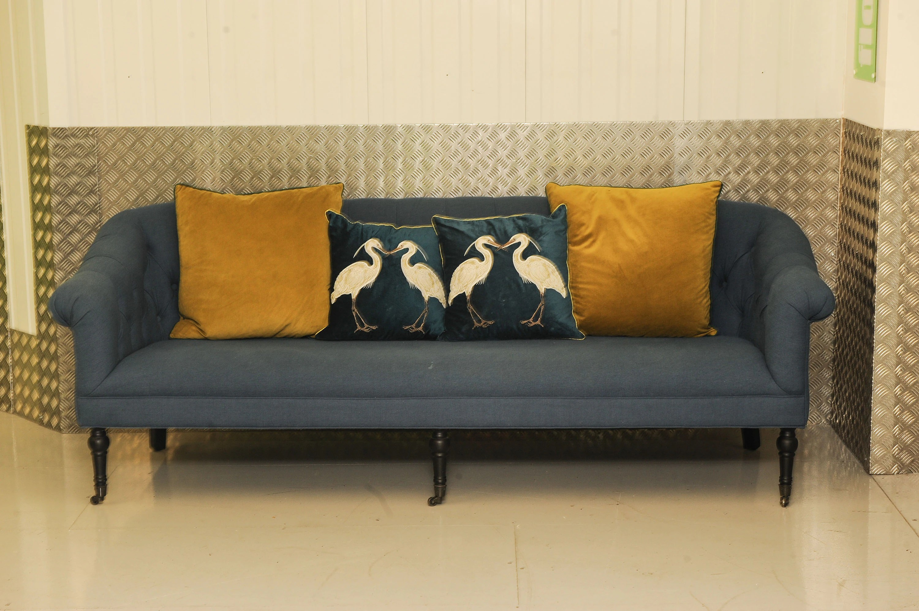 Sofa In Chesterfield Look Eichholtz Designer Deep Button Blue Upholstered Chesterfield Sofa In The Regency Style Raised On Ebonised Supports Read Shipping Info